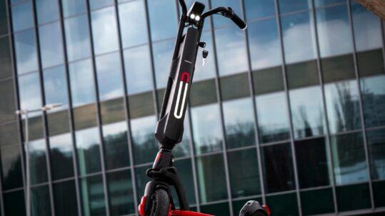 Elektriliste tõukerataste seadus muutub Techlife X7 ja X7S on off-road elektriline tõukeratas, millega saab sõita iga ilmaga ja erinevatel maastikutel. Tegemist on väga kiire ja võimsa ekstreemi