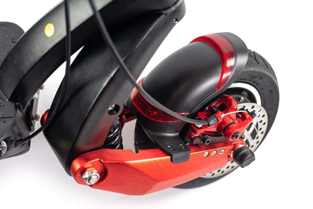 Techlife X7S: Kiirus kuni 70km/h Techlife X7 on off-road elektriline tõukeratas, millega saab sõita iga ilmaga ja erinevatel maastikutel. Tegemist on väga kiire ja võimsa ekstreemi pakkuva